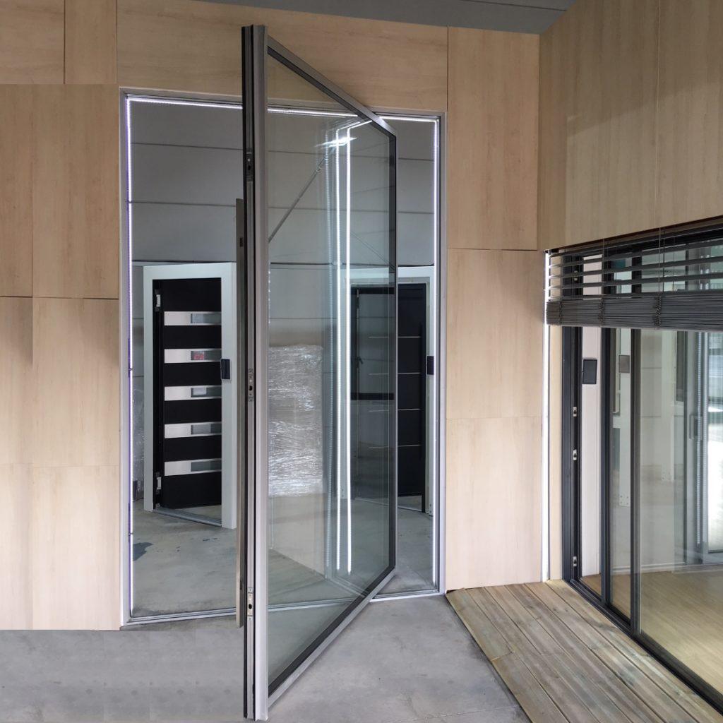 Porta Pivotante - Imagem 1